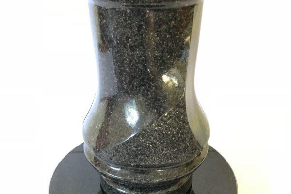 Akmeina-vazos-kapavietei-003